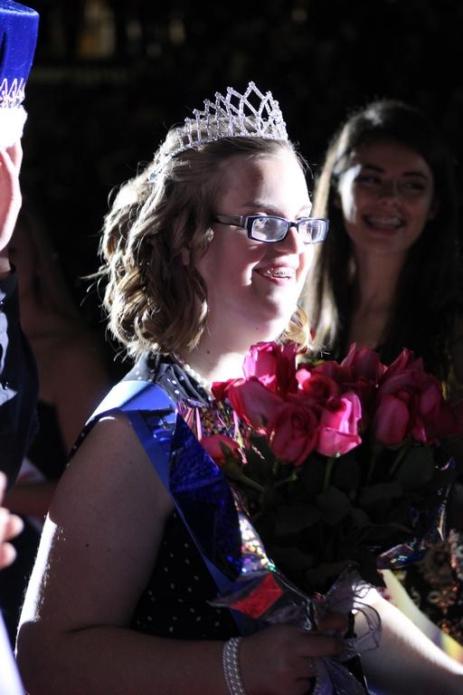 Conant mom writes touching letter after daughter crowned Homecoming